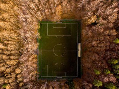 Legea fotbalului în minunata nouă normalitate